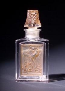 flacon lalique pour effleurt de coty 215x300 Flacons précieux : Lalique