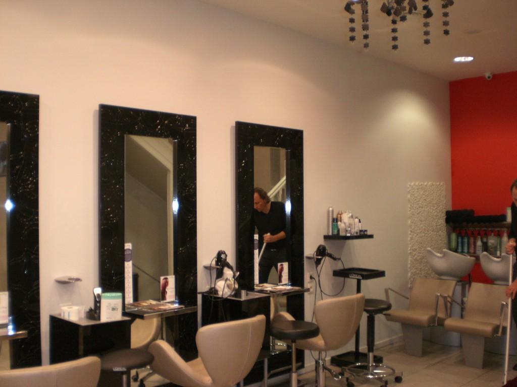 Concours ma coiffure par freddy gilles pour eric stipa for Salon de coiffure miroir