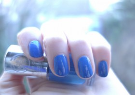 Vernis Color Crush The Body Shop : Bleue de toi