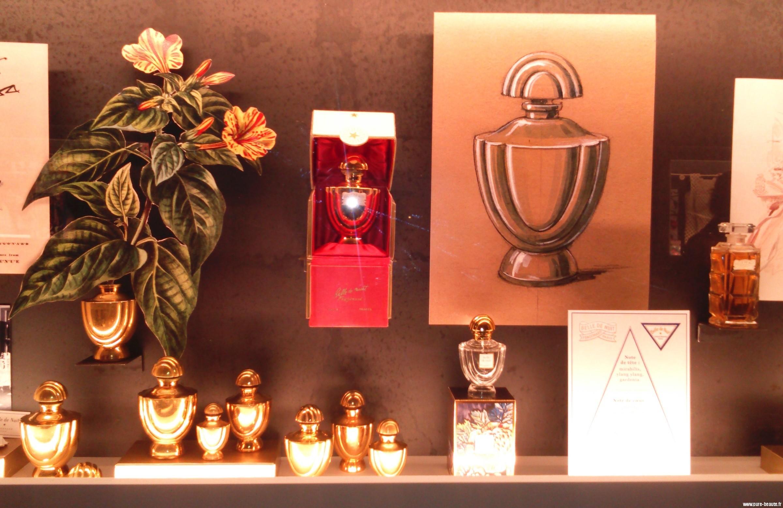 concours parfum fragonard son nouveau mus e sa fleur. Black Bedroom Furniture Sets. Home Design Ideas