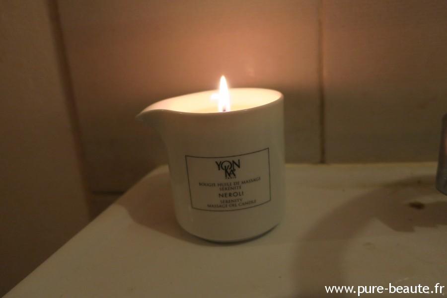 bougie huile de massage Yon-Ka allumée