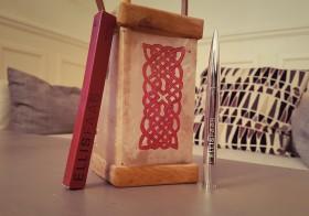Des lèvres sanguines avec Ellis Faas