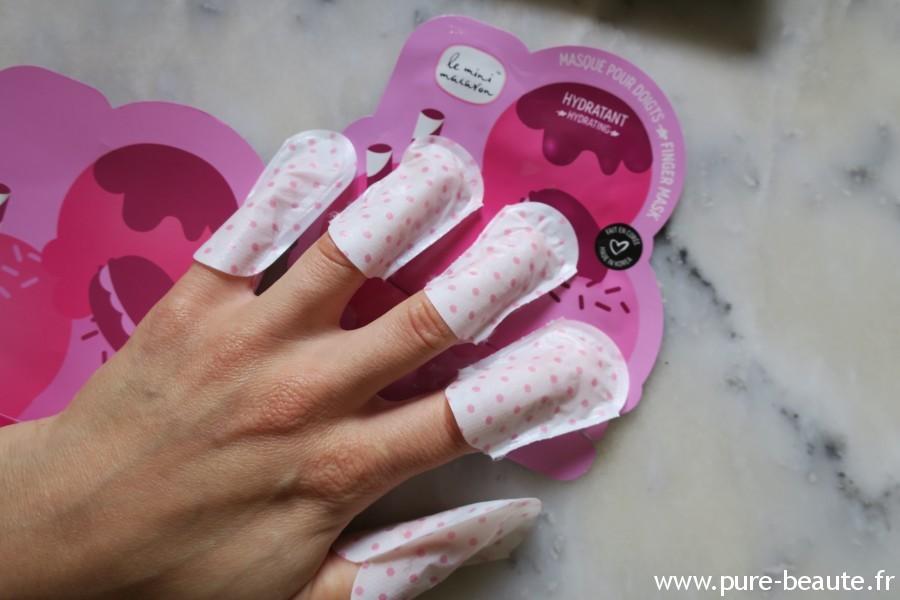 Masque doigts - Le mini Macaron à la rose