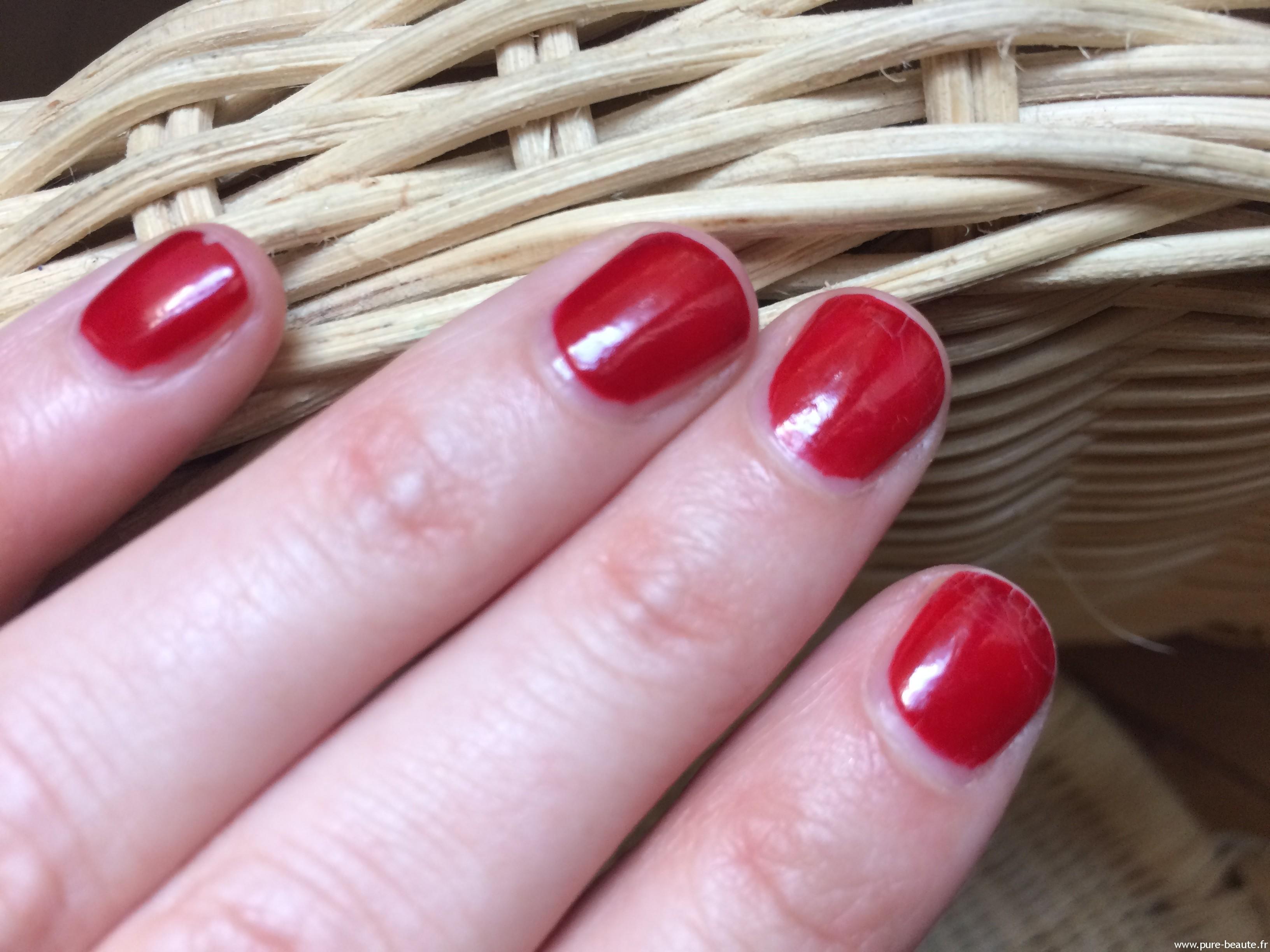 vernis 14 free aroma-zone rouge passion